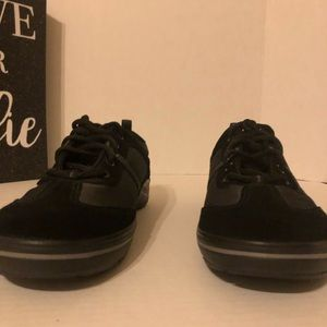 Black casual shoe (comfort)